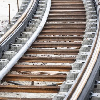 Pose des rails avenue Kennedy, à Saint-Germain-en-Laye