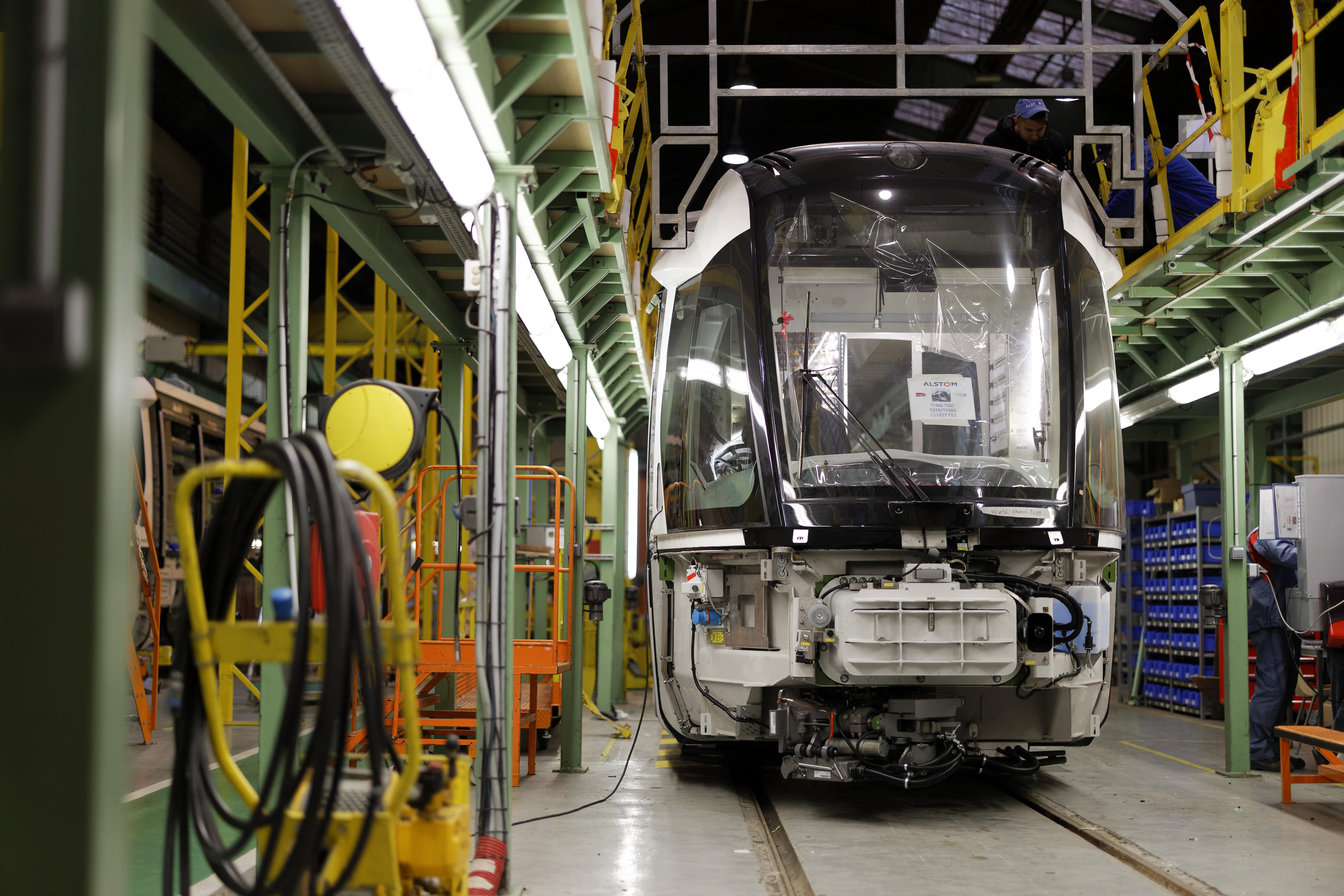 Rame en construction dans les ateliers Alstom