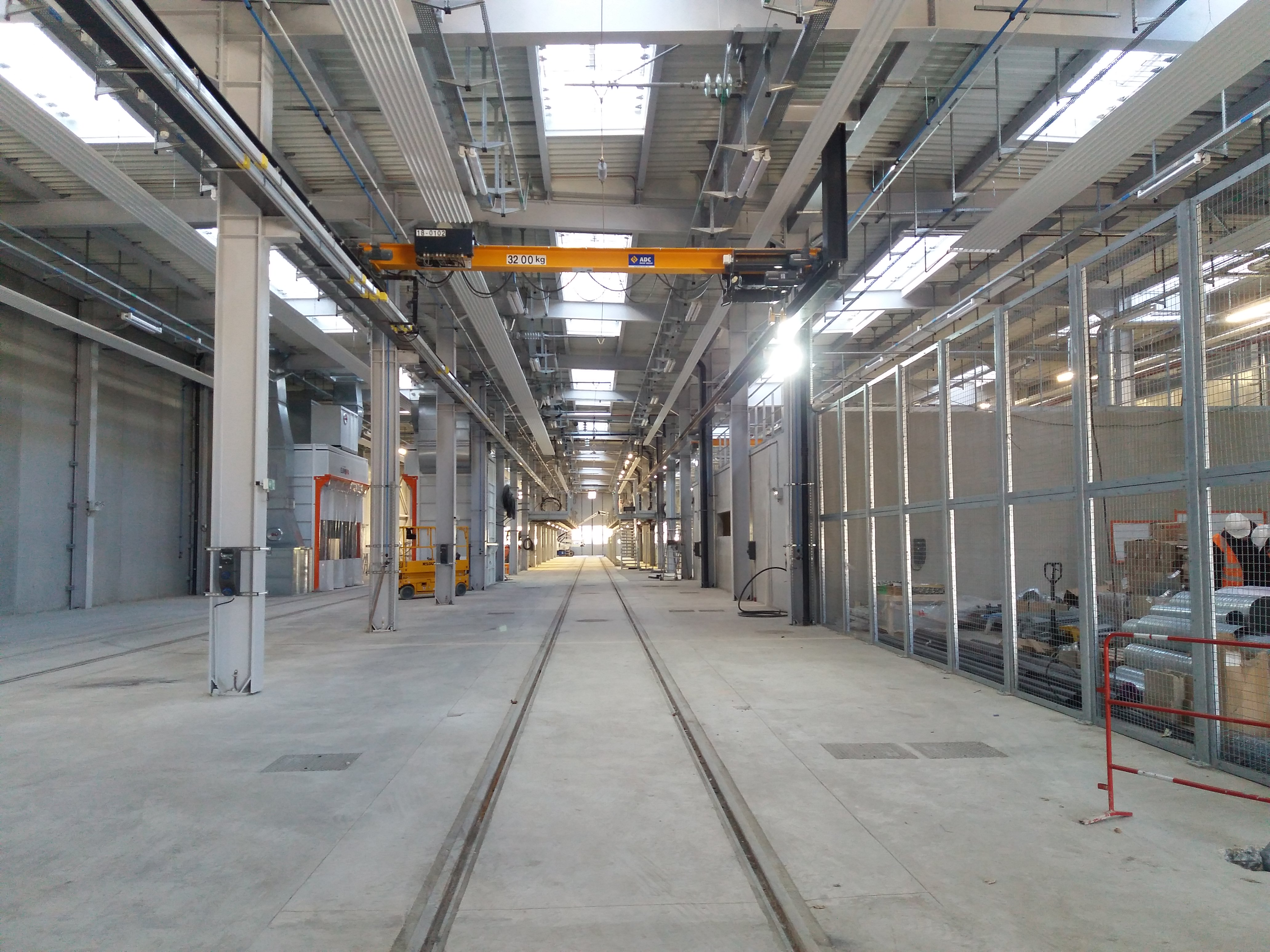 Intérieur de l'atelier de maintenance du tram T13 situé à Versailles Matelots (Novembre 2020) © IDFM