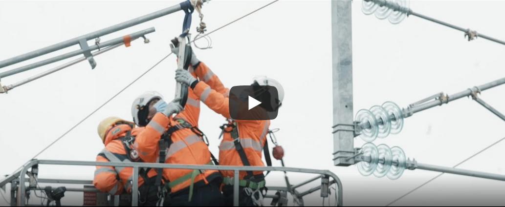Vidéo pose des câbles d'alimentation électrique